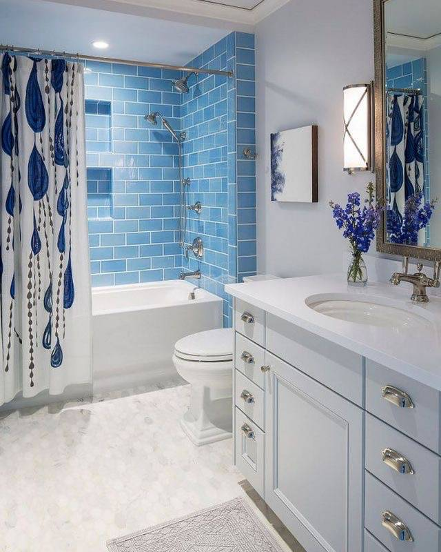 Bathroom Design With Tube and Shower